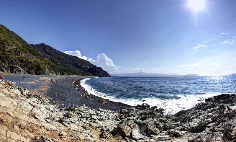 Vue de l'une des plages de Bonifacio