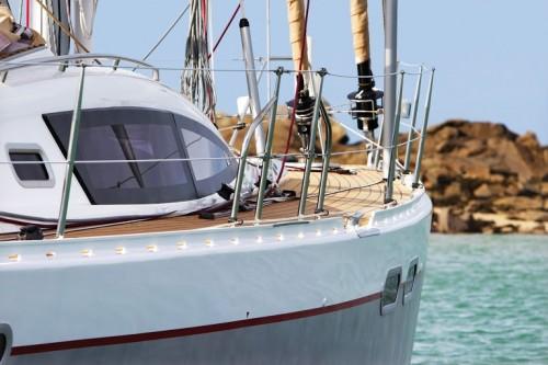 Photo de côté d'un bateau de modèle Allure 45