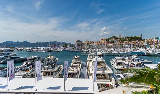 Photographie de yachts lors du festival yachting de Cannes 2015