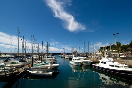 Des bateaux au Port de Madère