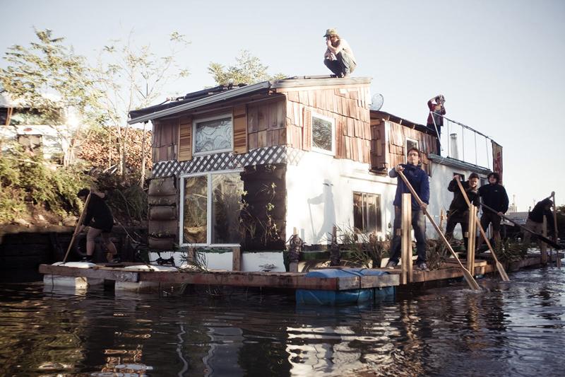 le top 10 des bateaux les plus insolites le blog filovent. Black Bedroom Furniture Sets. Home Design Ideas