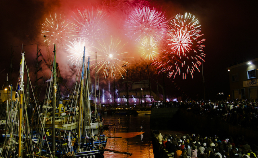 Photographie de feux d'artifices à Brest