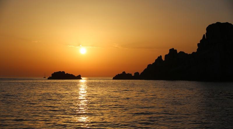Photographie d'un couché de soleil en méditerranée