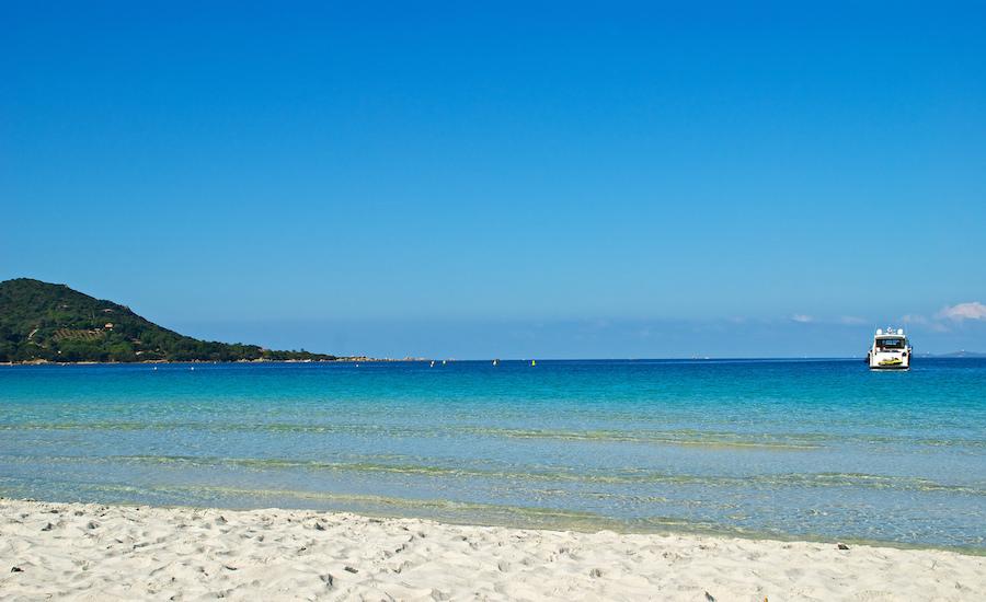 Photographie de la méditerranée, vue depuis une plage