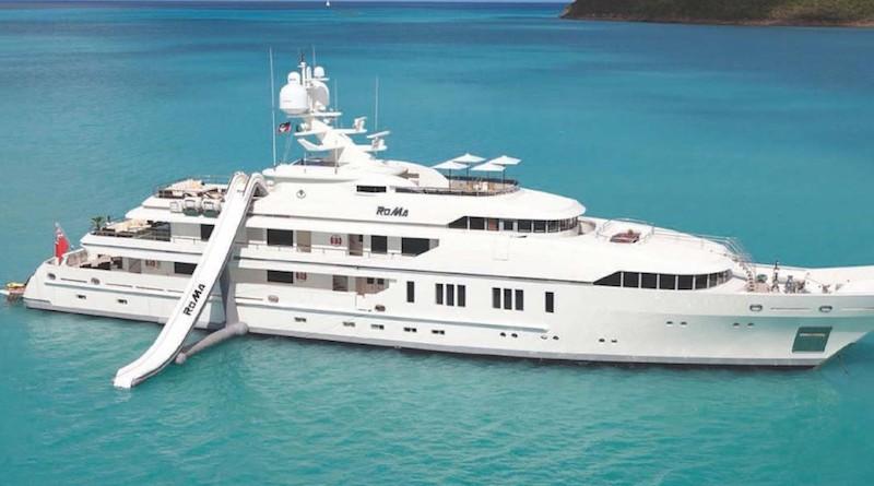 Photographie du yacht RoMa, vu de côté
