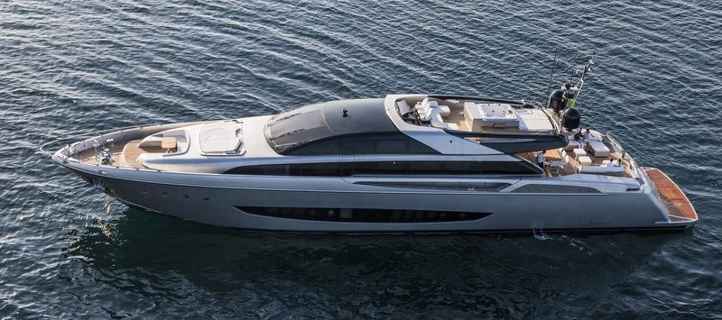 Photograhie du yacht 122 Mythos de Riva