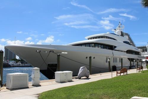 Yacht au port