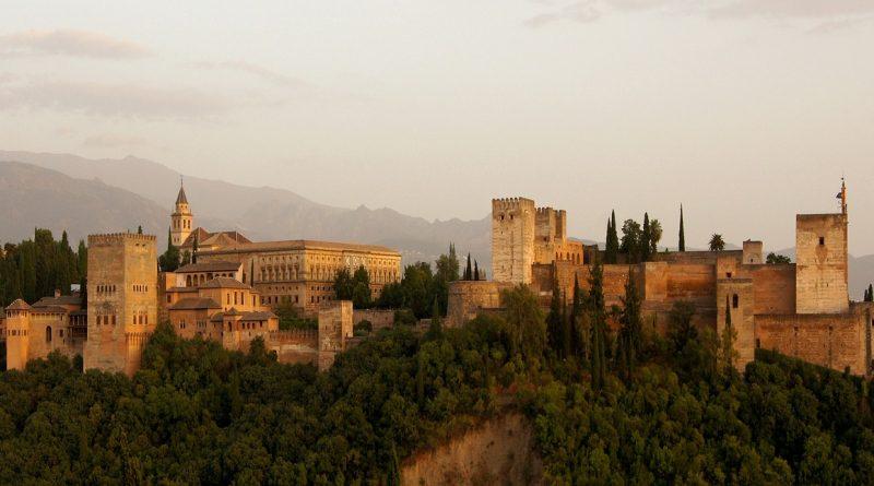 alhambra-179171_1280