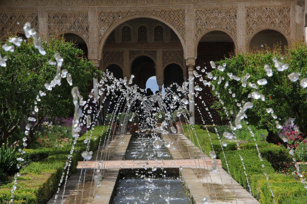 alhambra-777616_1280