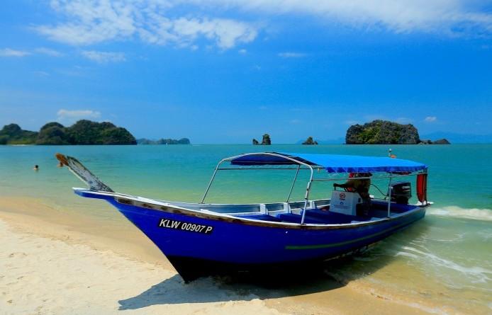 beach-694869_1280