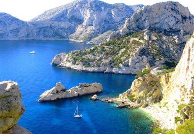 Partir à la découverte des Calanques de Marseille en bateau