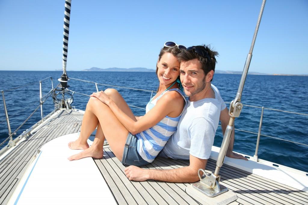 couple-sur-un-bateau