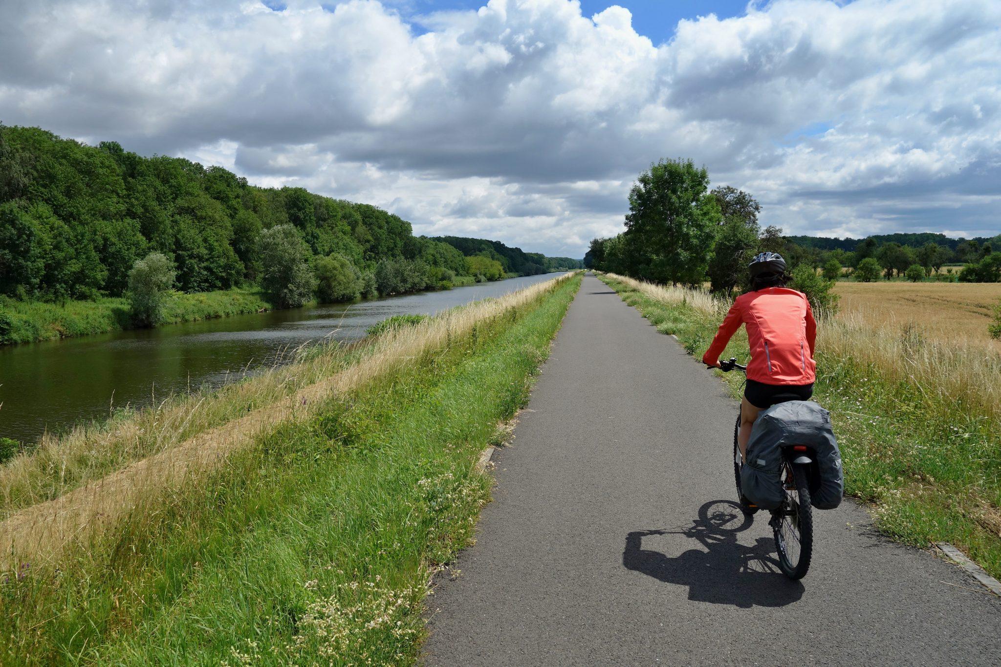 cycliste-canal-du-midi