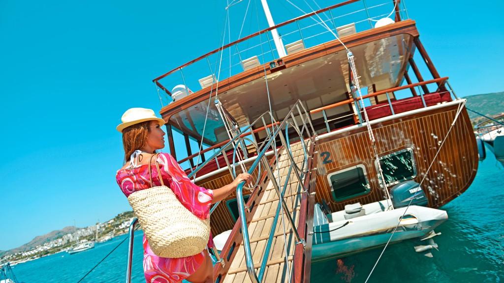 Femme à bord d'une Gület