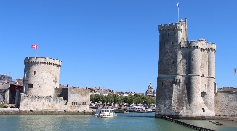 la-rochelle-harbour-tower-france-port-fortified