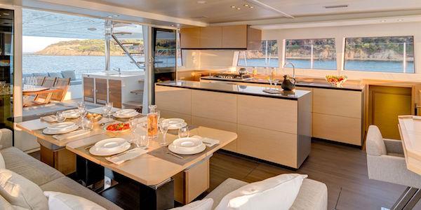 Les catamarans les plus confortables pour une croisière au soleil