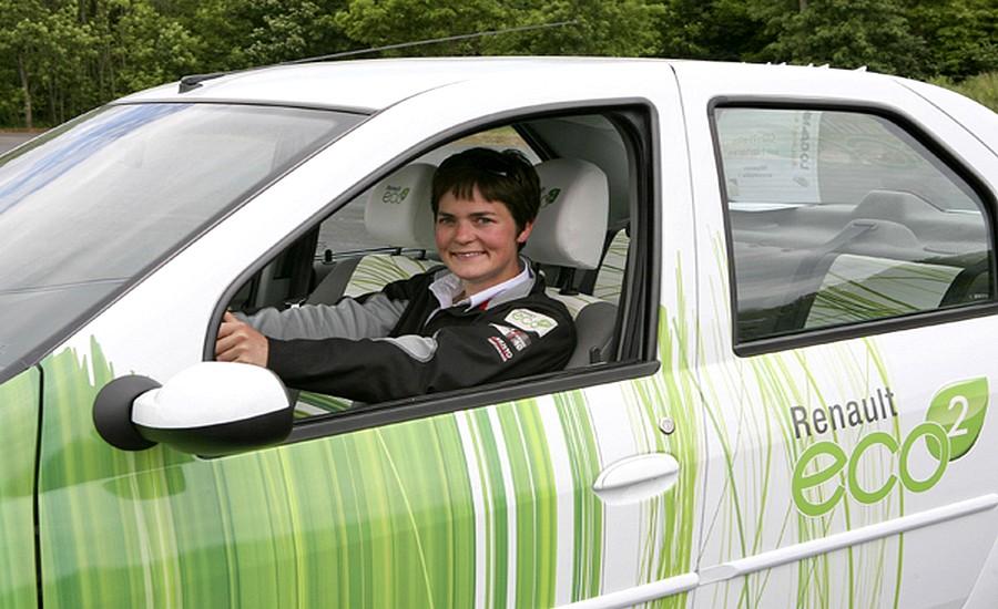 EllenMacarthur-conduit-voiture-écologique