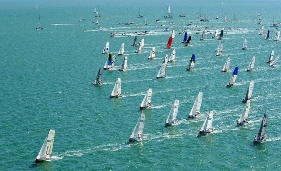voiliers-sur-la-mer-depart-course