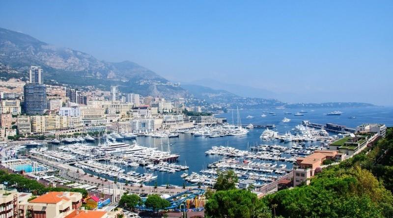 Photographie du port de Monaco, vu des hauteurs