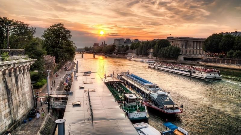 Photographie de la Seine au coucher du soleil